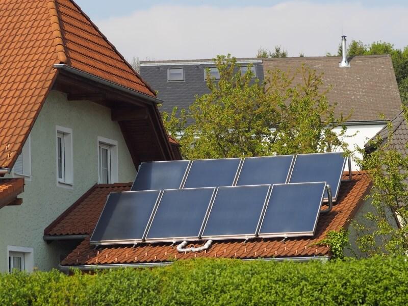 warmwasser durch solarthermie nutzen sie die kraft der sonne. Black Bedroom Furniture Sets. Home Design Ideas
